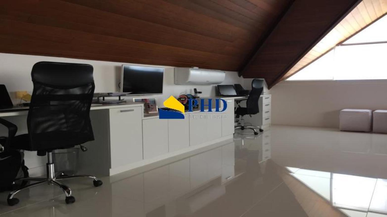 Casa 4 Quartos 340m²