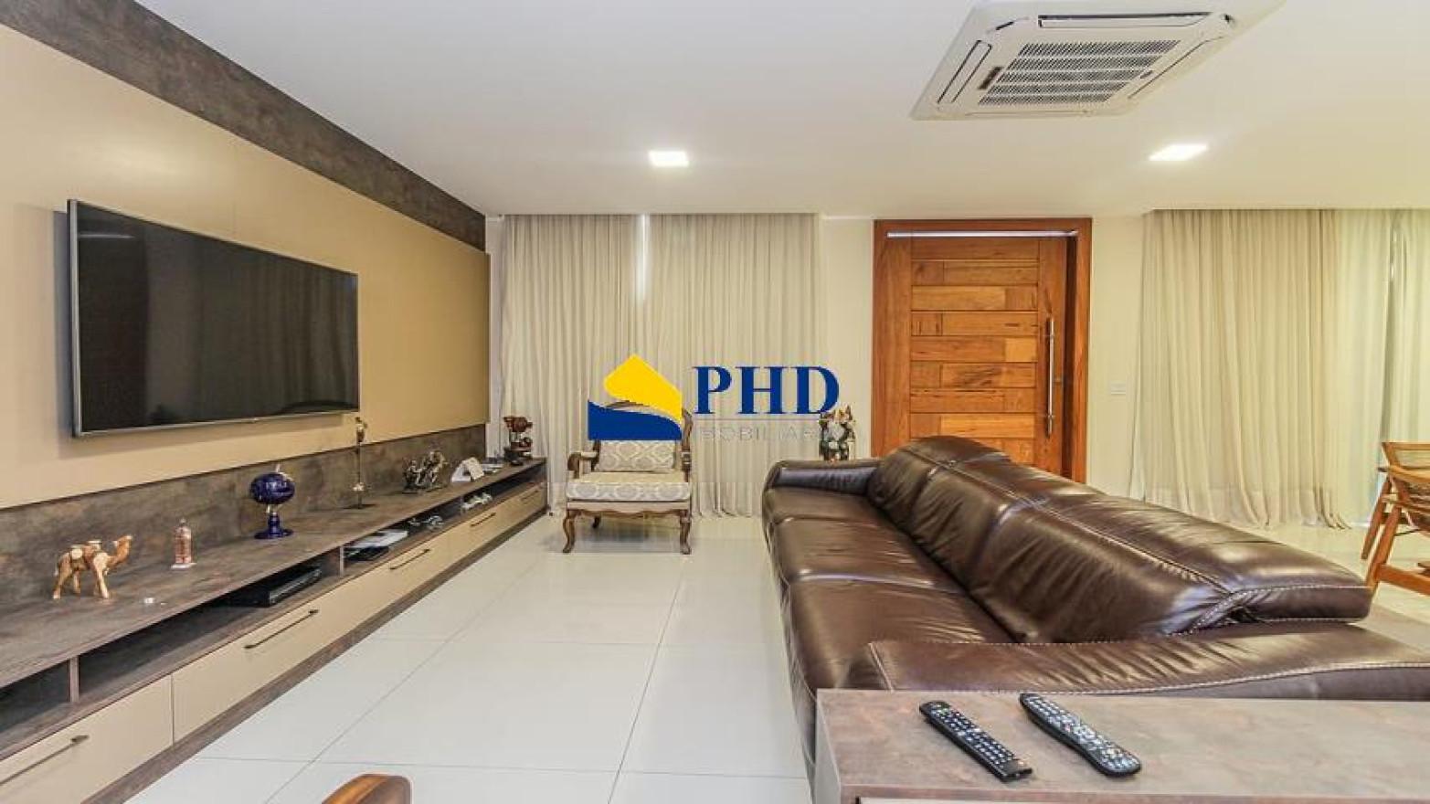 Casa 6 Quartos 348m²